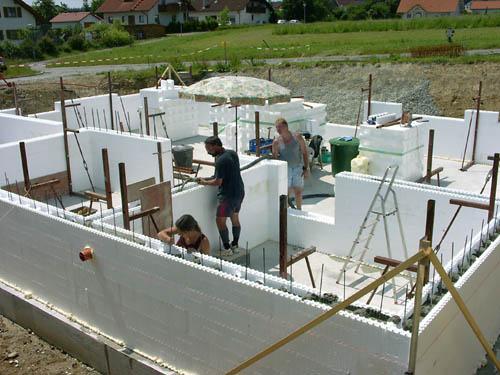 styro stone styroporstein oder neoporstein zum hausbau eines niedrigenergiehaus passivhaus. Black Bedroom Furniture Sets. Home Design Ideas